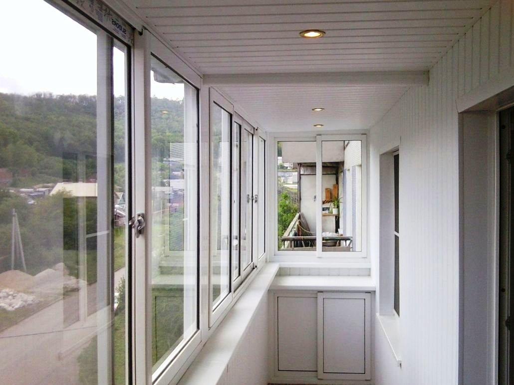Как монтировать пластиковая дверь на балкон конструкция..